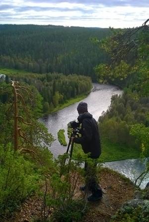 Overlooking the bends of the Kitkajoki river, Finnish Lapland. (Photo by Nicola Rainò)