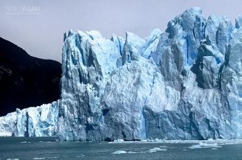 PAT1106_0165_A wall of ice from the boat (Perito Moreno glacier, Argentina)
