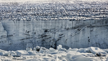 FJL0719_0632_Glacier on Champ Island  (Franz Josef Land, Russia)