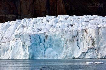 FJL0719_0637_Spectacular glacier on Ziegler Island in Rhodes Channel (Franz Josef Land, Russia)