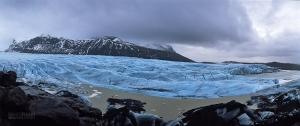 ISL0315_0168_Hiking along Svinafellsjökull glacier (Iceland)