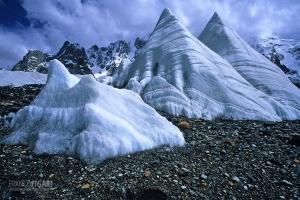 PAK0704_0141_Ice sails on the Baltoro glacier (Pakistan)