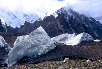 PAK0704_0160_Ice sails on the Baltoro glacier (Pakistan)