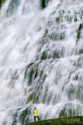 ISL0705_0180_Fjallfoss waterfall (Iceland)