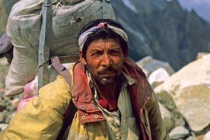 PAK0704_0318_On the way to K2 basecamp on the Baltoro glacier (Pakistan)