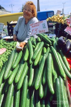 HEL0798_0319_Open market in Helsinki (Finland)