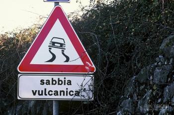ETN0305_0693_Beware of volcanic ash (Mount Etna, Sicily, Italy)
