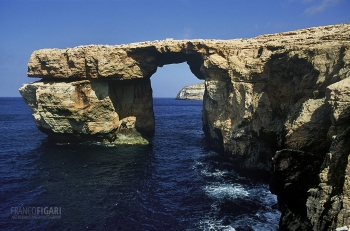 GOZ0494_0754_The Dwejra natural arch, collapsed in 2017 (Gozo, Malta)