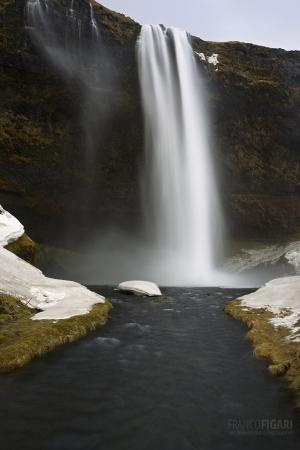 ISL0315_0362_Seljalandsfoss waterfall in wintertime (Iceland)