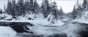 FIN0212_0374_Suspended bridge on the rapids of Kitkajoki river (Oulanka national park, Northern Finland)