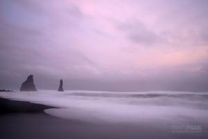 ISL0315_0388_The colours at sunset over Dyrhòlaey black beach (Iceland)
