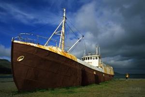 ISL0705_0398_The wreck of the ship Gardar (Iceland)