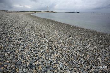 BRE0415_442_Pebble on the beach at Ile-de-Sein (France)
