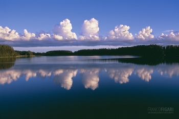 FIN0803_443_Reflecting clouds (Southern Finland)