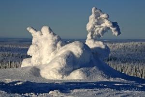RII0200_0511_Arctic strange sculptures, Ice Hen (Riisitunturi National Park, Finland)